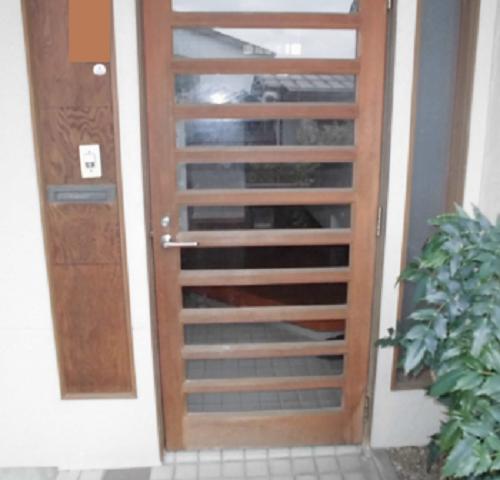 施工前玄関ドア